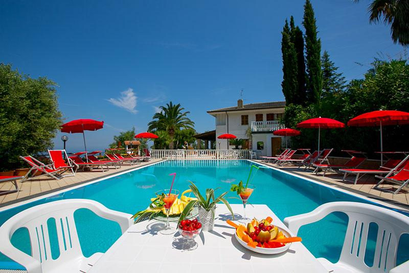 albergo con piscina san benedetto del tronto